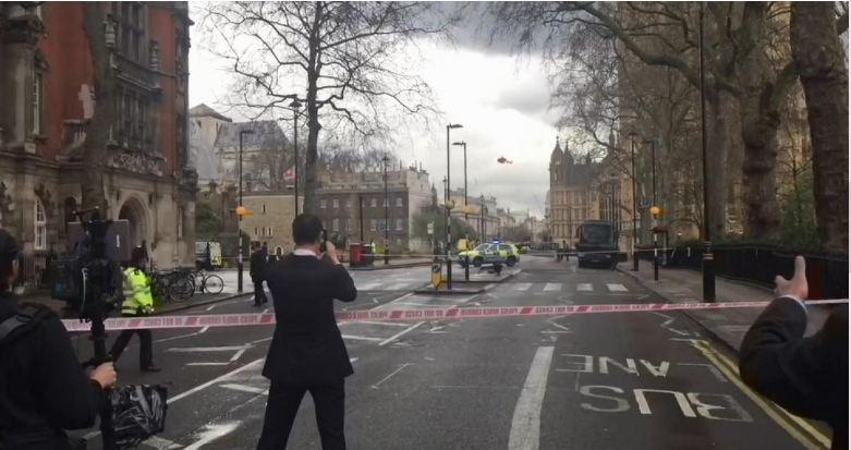 12 جريح في حادث اطلاق نار أمام مقر البرلمان البريطاني