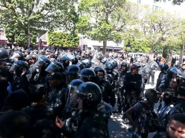 للحد من الاحتجاجات: حكومة
