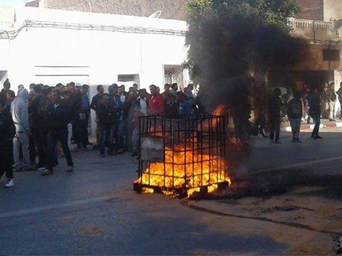 في ظل عجز الحكومة وغياب مسؤولي الدولة: تطاوين تحترق..والنار تقترب من مدنين!