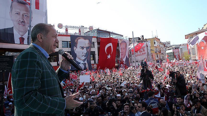 استفتاء تركيا: الأتراك يتجهون نحو تغيير النظام السياسي.. ويجددون الثقة بأردوغان