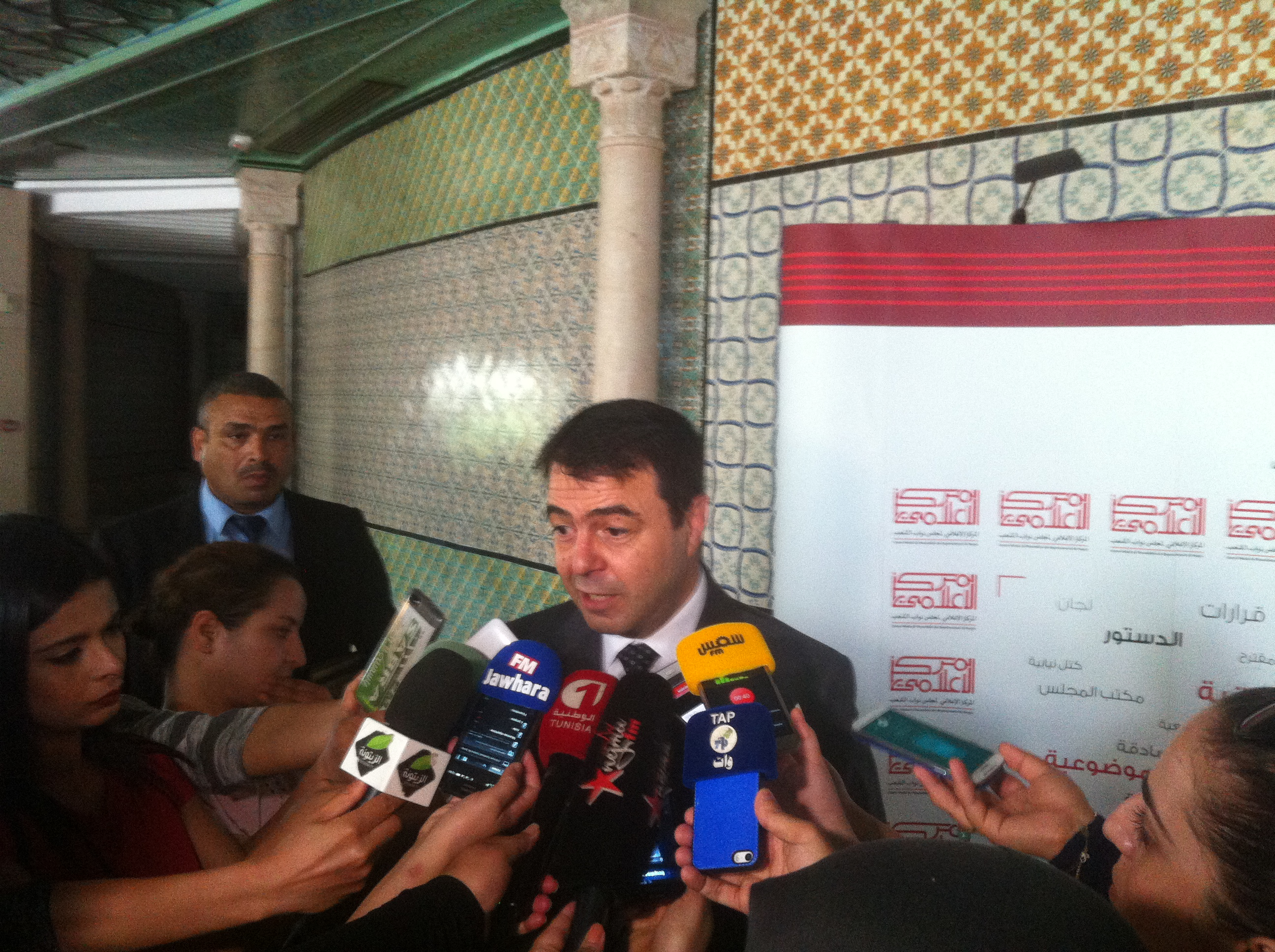 مساندة للنقابات الأمنية: وزير الداخلية يطالب بسن قانون لحماية الأمنيين