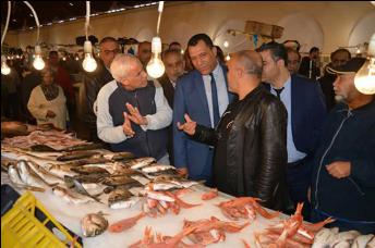 في زيارة ميدانية للسوق المركزية: والي تونس يشدّد على مقاومة ظاهرة الاحتكار