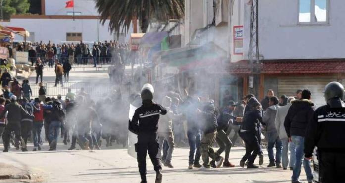 احتجاجات الغلاء: قتلى وجرحى في صفوف متظاهرين.. وحكومة الشاهد تلفظ أنفاسها الأخيرة!