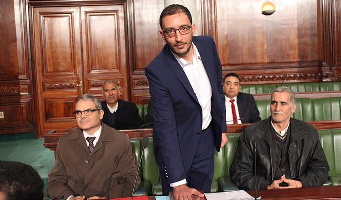 فضيحة رشوة نواب الاتحاد الأروبي: ياسين العياري يسائل وزير الخارجية.. والدبلوماسية التونسية تحوّلت الى أضحوكة!
