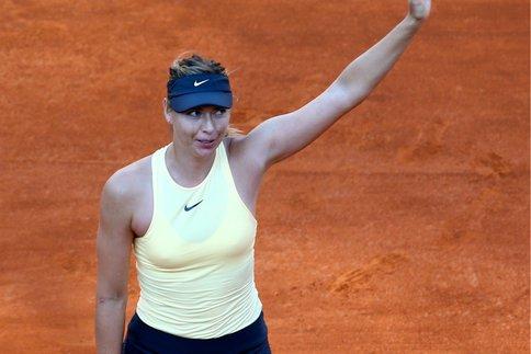 بطولة روما المفتوحة للتنس: شارابوفا تطيح بأوستابينكو وتتأهل لنصف النهائي