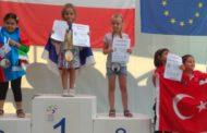 بسبب طفلة اسرائيلية: لوبيات صهيونية تدعو الى مقاطعة السياحة التونسية!