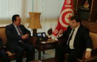 وزيرا السياحة وأملاك الدولة يلتقيان السفير القطري بتونس