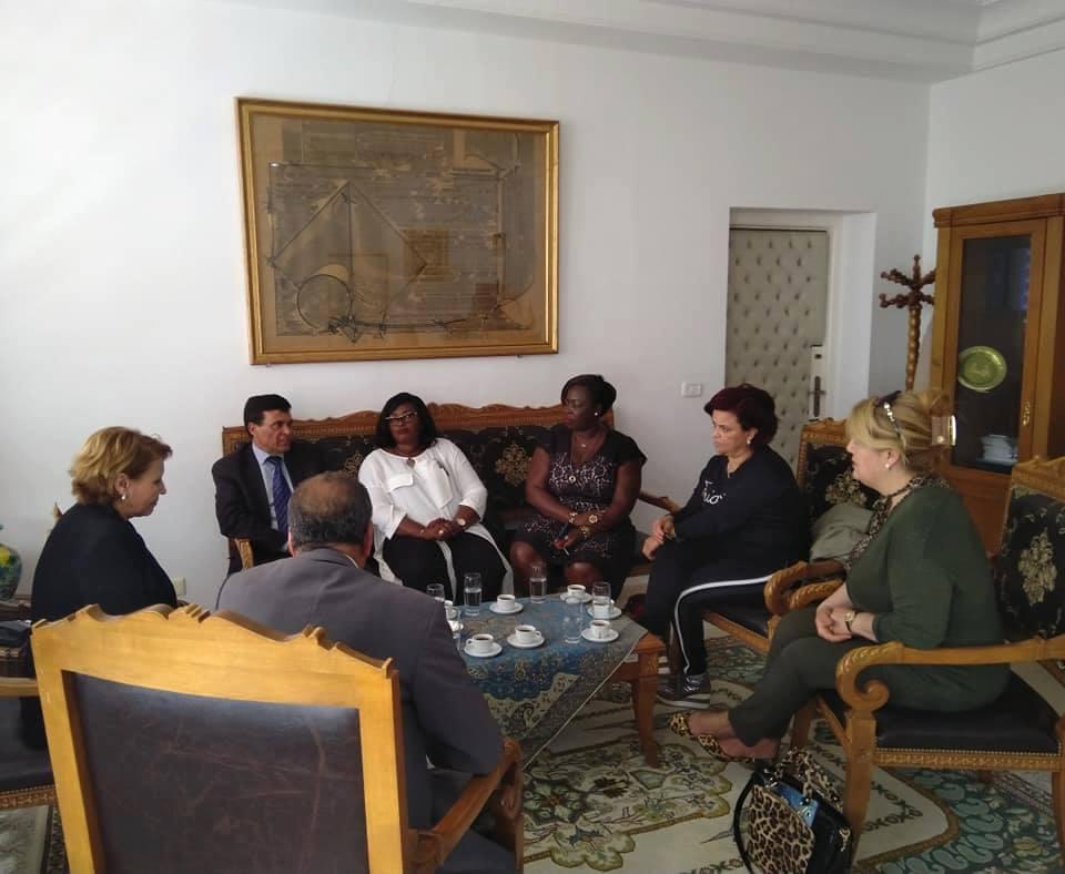 لوريا نيوز / البشير سعيد : وضوح رؤية السيدة نزيهة العبيدي في الاحاطة بالمراة المستثمرة و الريفية و الحرفية، يشكل انموذج للدول الافريقية و يؤسس لتعاون و شراكة واعدة .