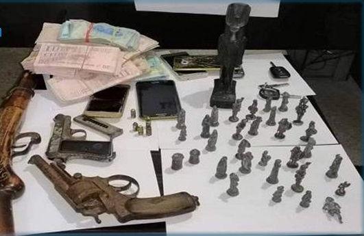 الاطاحة بعصابة مختصة في تجارة القطع الأثرية
