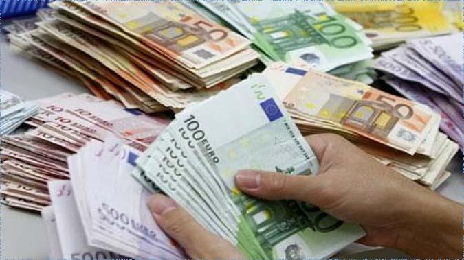 بلغت نحو 3.7 مليار دولار: احتياطات تونس من العملة الصعبة تغطي  76 يوم توريد!