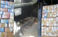 بنقردان: احباط محاولة تهريب 370 الف أورو و 199 الف دولار من تونس الى ليبيا!