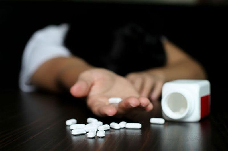 بسبب المخدرات...انتحار شاب شنقا بالعاصمة