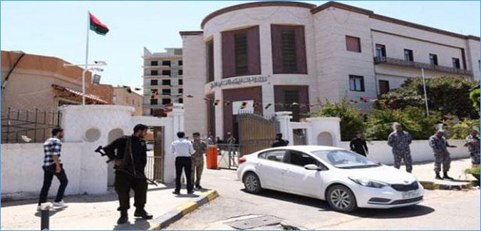 حكومة السراج تغادر العاصمة..ومعركة طرابلس على وشك النهاية..
