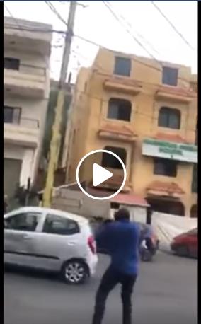 بالفيديو/اللحظات الأولى للهجوم المسلح على موكب وزير الدولة اللبناني