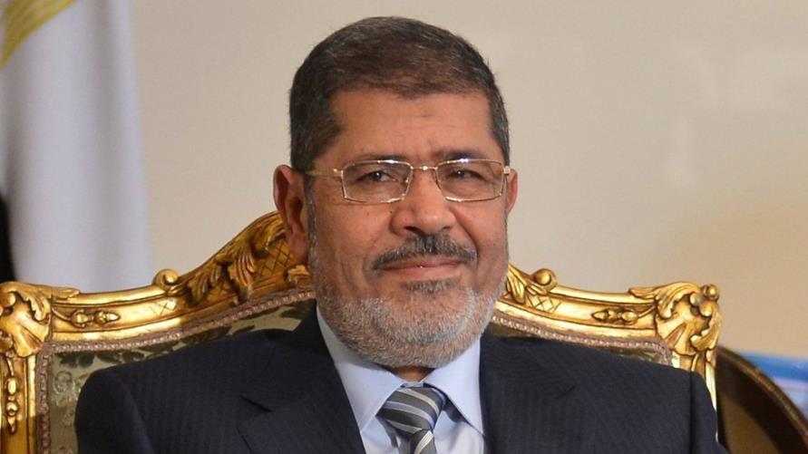 أكدها محاميه: دفن جثمان محمد مرسي في القاهرة.. وكشف تفاصيل جديدة عن وفاته!