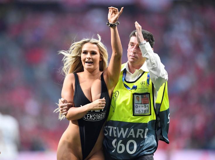 الاتحاد الأوروبي لكرة القدم يغرّم حسناء نهائي رابطة الأبطال!!