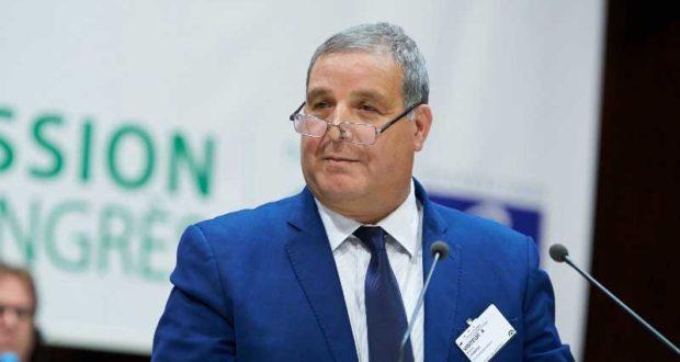 على اثر تصريح ''سبّيتلو الراتسة متاعو'': وزير البيئة يقدم اعتذاره للمدير الجهوي للديوان الوطني للتطهير!!