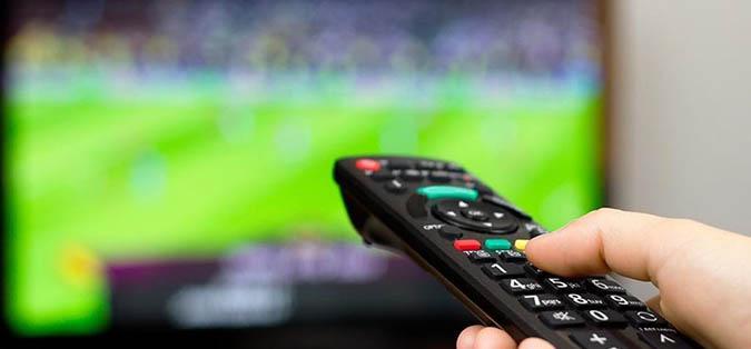 مباريات اليوم الإثنين و النقل التلفزي