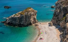 جزيرة يونانية تمنح 450 يورو شهرياً وقطعة أرض لمن يسكنها