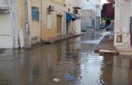 بالفيديو: المياه تغمر المنازل في حلق الوادي...البلدية توضّح