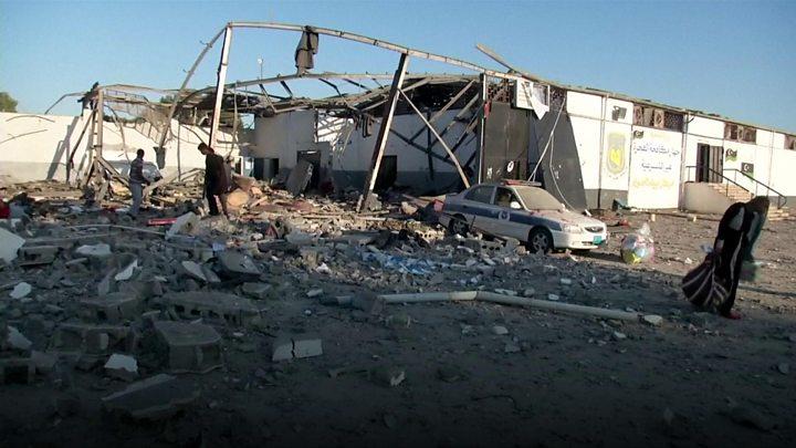 ليبيا: مقتل عشرات المهاجرين الأفارقة في غارة جوية لقوات خليفة حفتر