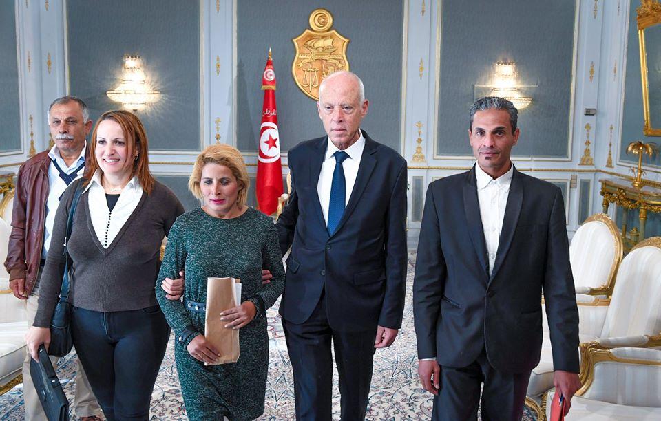 بالصور: رئيس الجمهورية يستقبل وفدا من المجتمع المدني عن جهة قفصة
