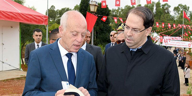 بعد الرسالة إلى الرئيس الجزائري: قيس سعيد يكلف يوسف الشاهد بإيصال رسالتين إلى الرئيسين الفرنسي