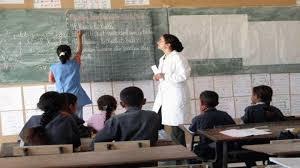 تقلص عدد المنقطعين عن الدراسة بالمراحل الابتدائية والاعدادية والثانوية