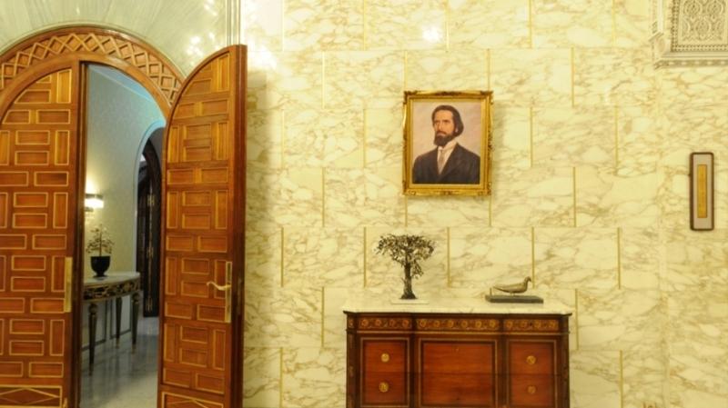 مستشارة سعيّد المكلفة بالإتصال توضح بخصوص إزالة صور بورقيبة من قصر قرطاج