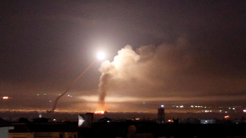 """سوريا تتصدى لـ""""صواريخ معادية"""" مصدرها إسرائيل"""