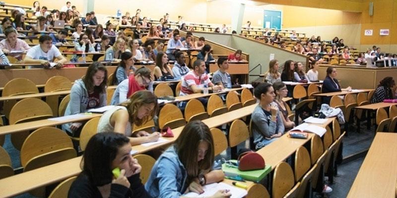 تحرّش أستاذ بطالبات: وزارة التعليم العالي على الخط..