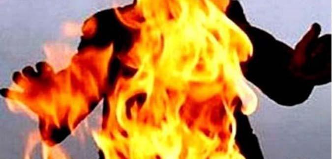 بائع بسوق نابل يضرم النار في جسده