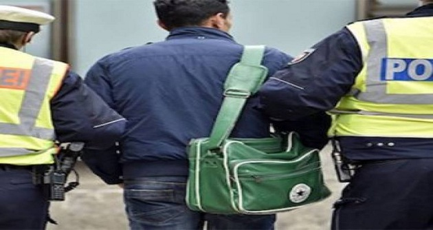 وصلوا إلى مطار النفيضة.. إيطاليا ترحّل 21 مهاجرا تونسيّا