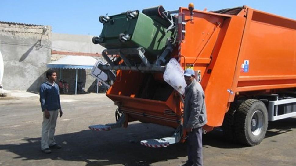 صفاقس: استئناف عملية رفع الفضلات بكافة الدوائر البلدية