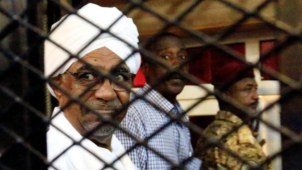 الحكومة السودانية توافق على تسليم عمر البشير الى المحكمة الجنائية الدولية
