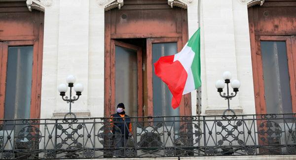 إيطاليا تطرد المهاجرين غير الشرعيين الذين وصلوا أراضيها خلال جائحة كورونا..