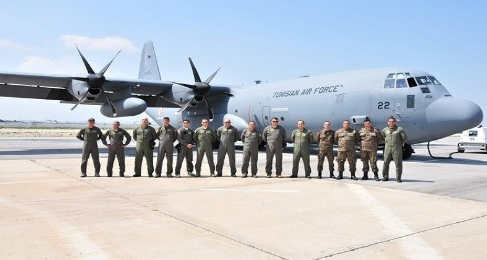 وصول الطائرة العسكريّة التونسيّة الى الصين وشحنها بالمعدّات الطبّية