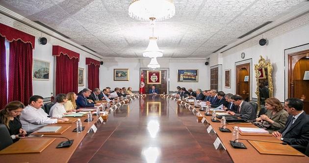 مجلس الوزراء يصادق على عدد من مشاريع القوانين ومشاريع الأوامر الحكوميّة