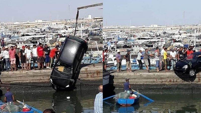 سقوط سيارة عائلية في ميناء صفاقس..