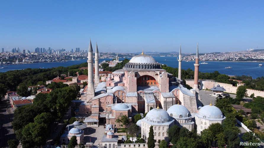 شيّد قبل 15 قرنا: تركيا تقرر تحويل الموقع الأثري آيا صوفيا إلى مسجد وسط تنديد دولي!!