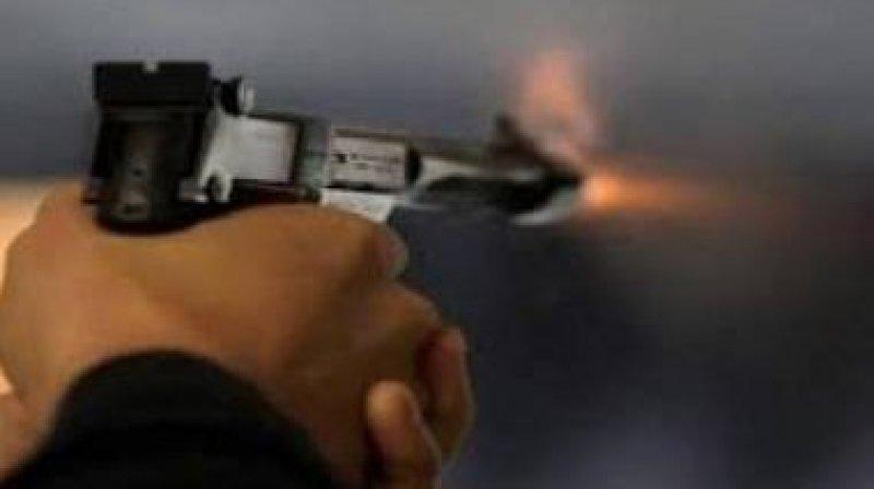 المنستير: يطلق النار على والدته ويحيلها على مستشفى..!