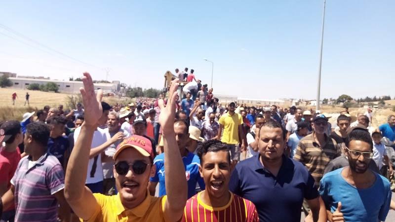 المرناقية: قطع الطرقات الرابطة بين الشمال الغربي والعاصمة!!
