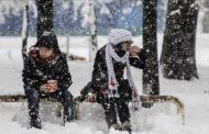 انخفاض درجات الحرارة مع تساقط الأمطار والثلوج بداية من اللّيلة