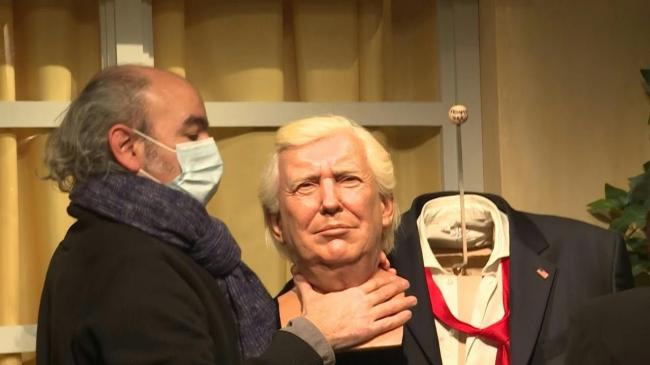 نقل ترامب إلى المستودع