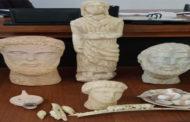 حجز تماثيل وقطع أثرية داخل منزل في المهدية